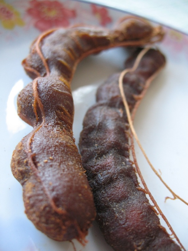 Shelled tamarind, sweet (left) and sour (right)
