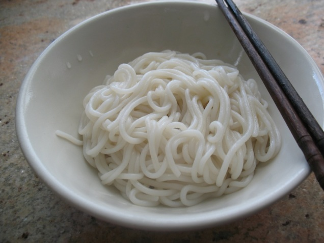 One portion of mifen boiled until cooked (approx. 15 minutes)